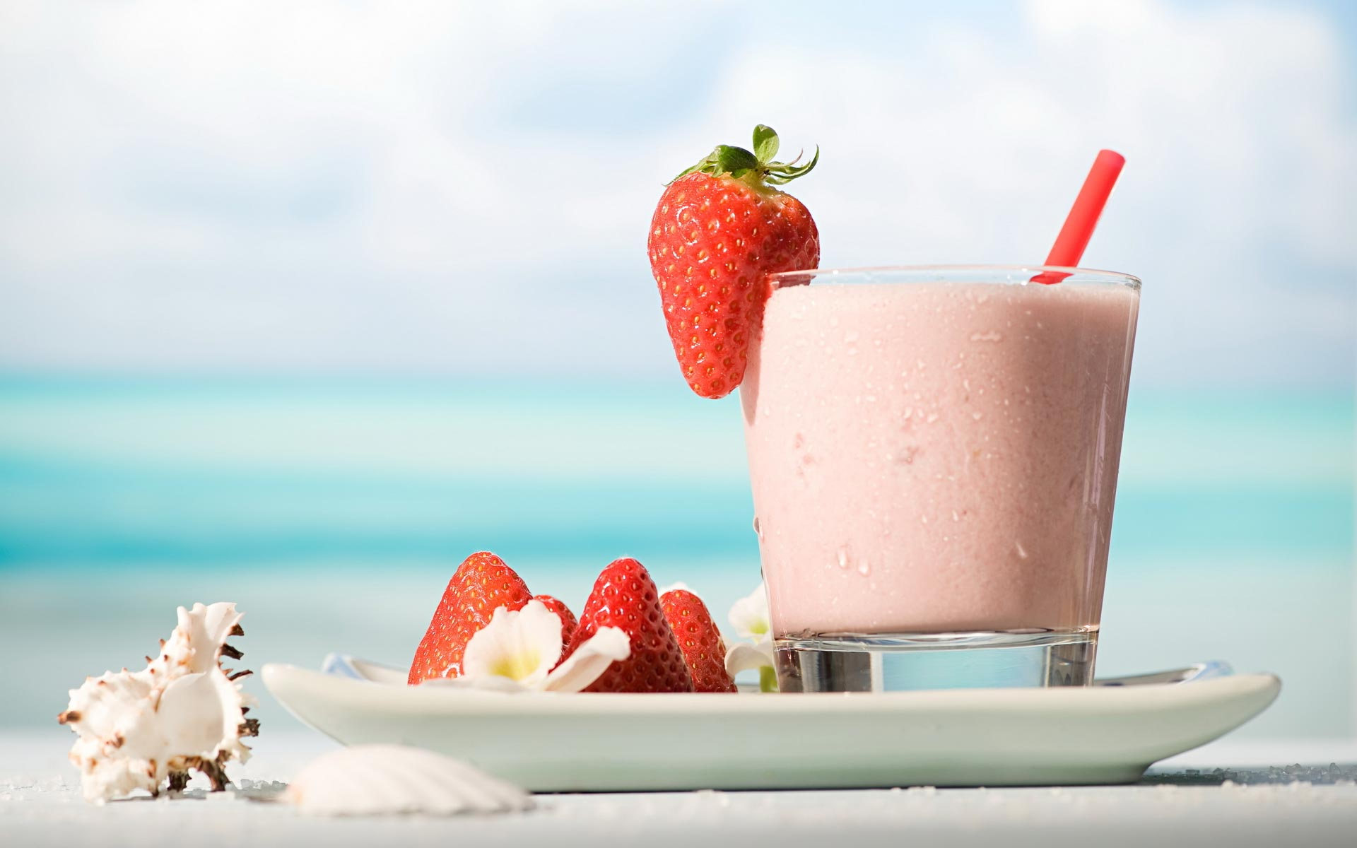 strawberry-yogurt-hd-widescreen---hd-free-wallpaper